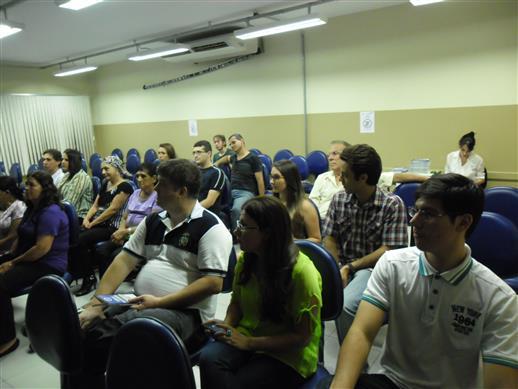 Público presente na noite de autógrafos
